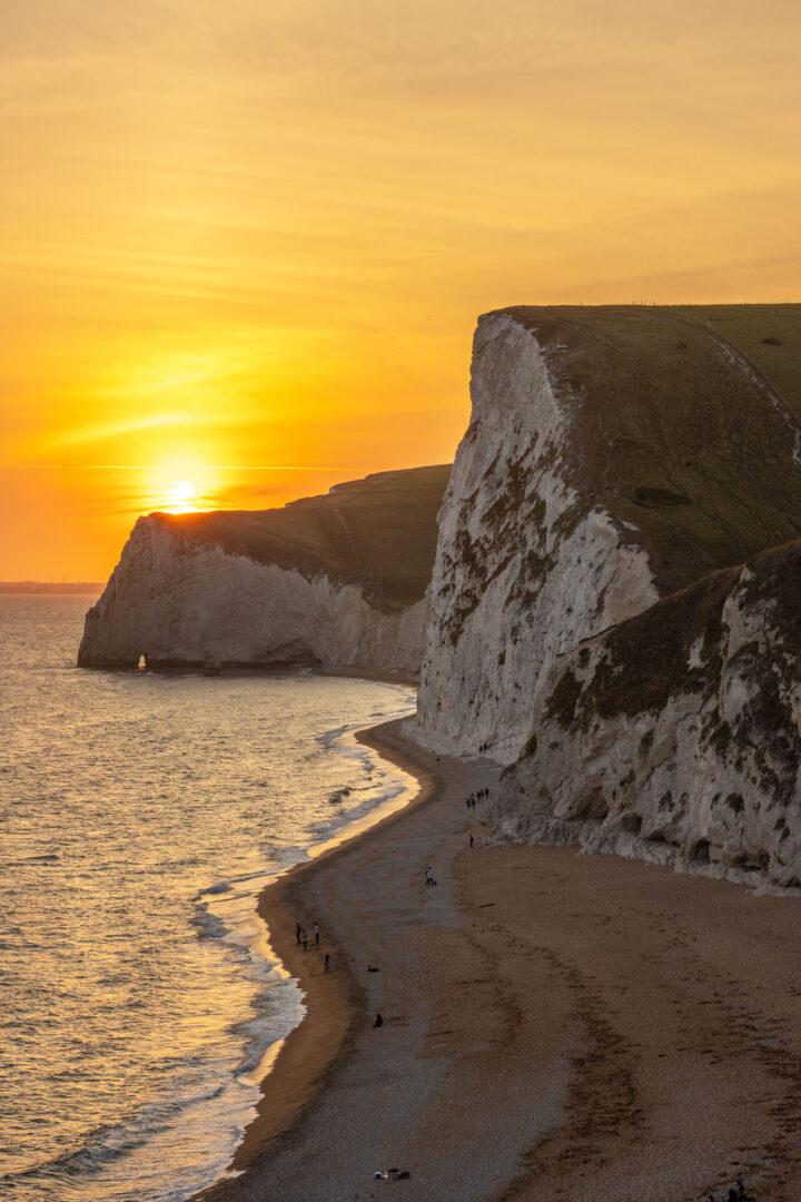 British Geological Survey & 5G RuralDorset partner to develop new coastal landslide monitoring system